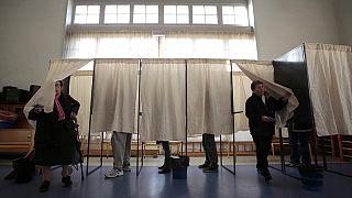 نسبة المشاركة في الانتخابات الجهوية الفرنسية تتجاوز 50 بالمئة