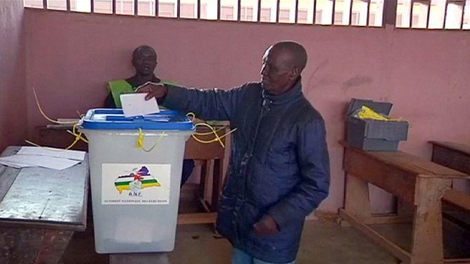 Orta Afrika yeni anayasa için oy verdi