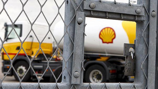 Shell corta 2.800 empregos além dos 7.500 previstos