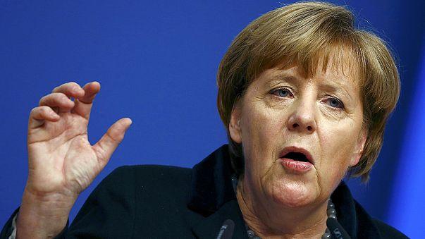 """Merkel promete una """"reducción sensible"""" del flujo de refugiados que llegan a Alemania"""