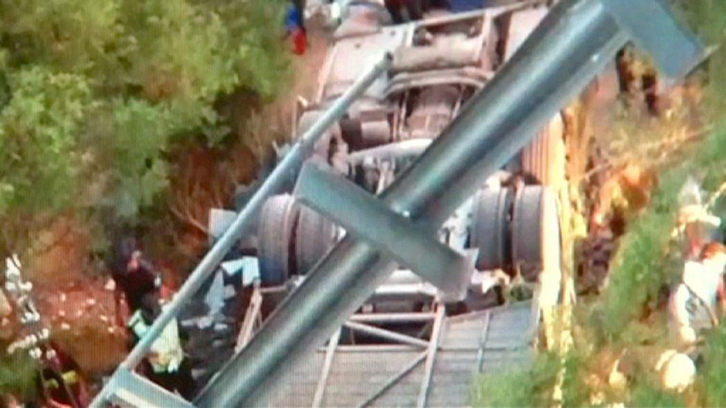 Argentine bus crash kills at least 42