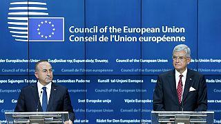 ΕΕ: Επανεκκίνηση των ενταξιακών διαπραγματεύσεων με την Τουρκία προς χάριν του προσφυγικού