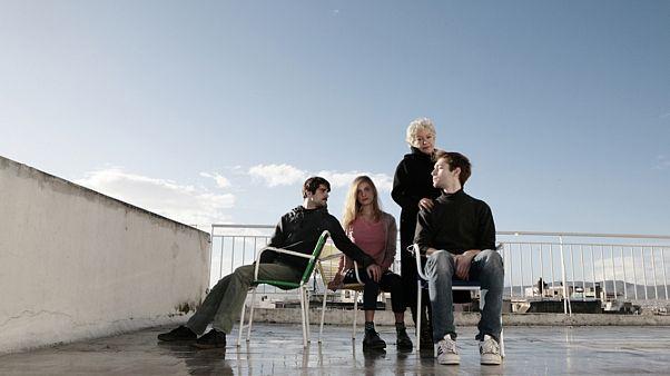 H ομάδα Bijoux de kant με την Τάνια Τσανακλίδου στο Θέατρο Τέχνης!