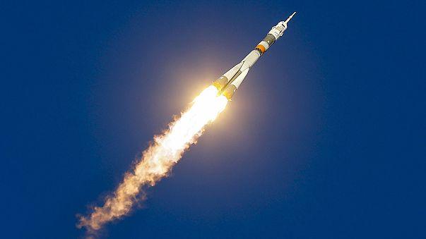 """المحطة الفضائية الروسية """"سويوز"""" تنطلق من كازاخستان نحو محطة الفضاء الدولية"""