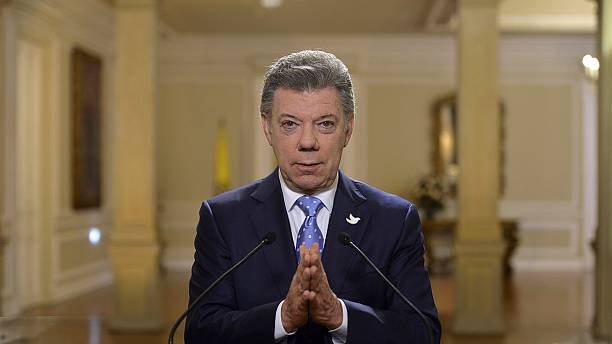 Colombian government and FARC rebels sign agreement