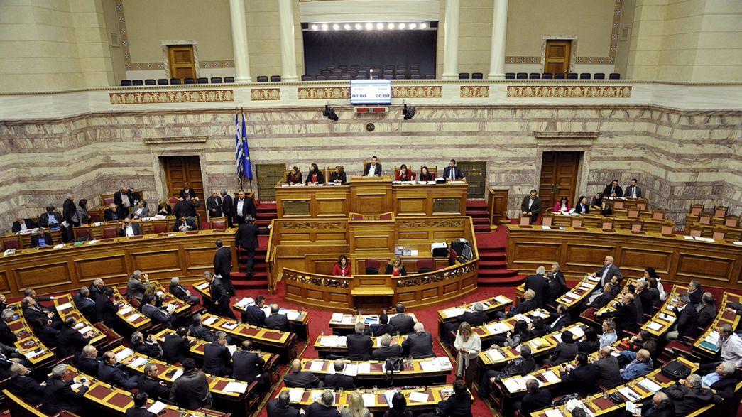 Grécia aprova medidas para desbloquear mil milhões de euros