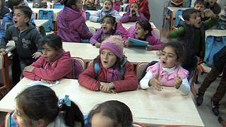 Flüchtlingskrise: Schule für 3000 syrische Mädchen in der Türkei eröffnet