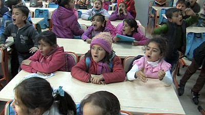 EU opens school for Syrian refugee children in Turkey