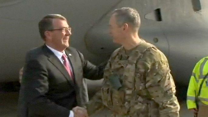 El jefe del Pentágono visita por sorpresa Irak