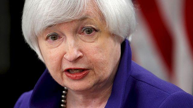 بيزنس لاين: الفيدرالي الأمريكي تحت دائرة الضوء