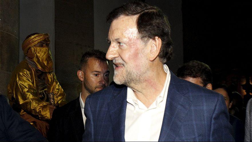 Rajoy recibe un puñetazo en la cara en un paseo electoral en Pontevedra