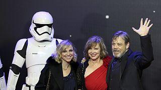 """أبطال حرب النجوم يواكبون عرض """"ذو فورس أويكنس"""" في لندن"""