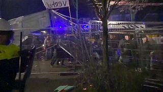Niederlande: Flüchtlingsgegner attackieren Ratsgebäude in Geldermalsen