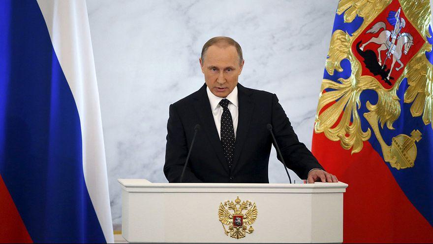 Vladimir Putin yıllık basın toplantısında gazetecilerin sorularını yanıtlıyor