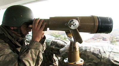 Turkey deploying 30 percent of army in Syrian border clampdown