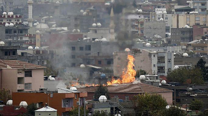 إستمرار الحملة العسكرية التركية ضد المسلحين الأكراد جنوب شرق البلاد