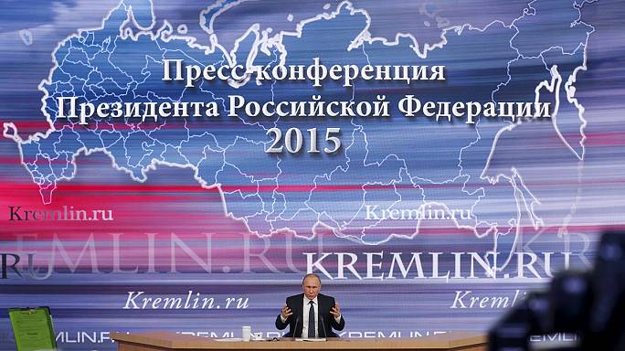 Putyin beszédében Blattert és Trumpot éltette