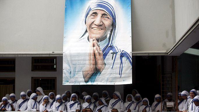 الأم تيريزا ستصبح قديسة في سبتمبر-أيلول المقبل