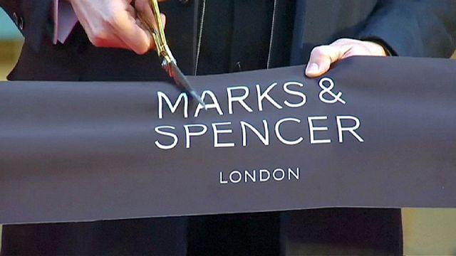 Óriás Marks&Spencer nyílt karácsonyra Pekingben