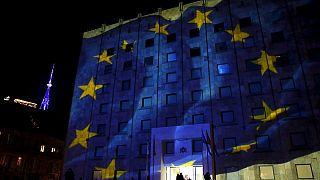 AB Rusya'ya yaptırımları uzattı Juncker Ukrayna, Gürcistan ve Kosova için vize serbestisi istedi
