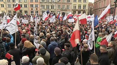 Varsóvia: milhares na rua contra o governo conservador