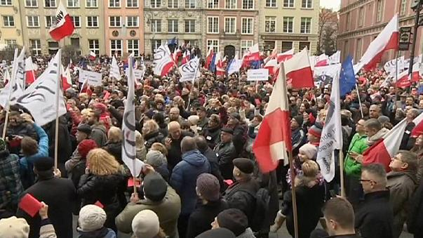 Protestas en Polonia contra las políticas del nuevo Gobierno conservador