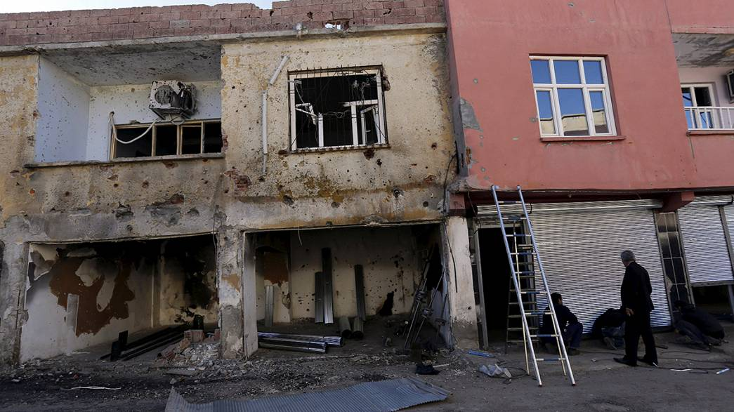 Ancara esmaga rebeldes curdos em Cizre e Silopi