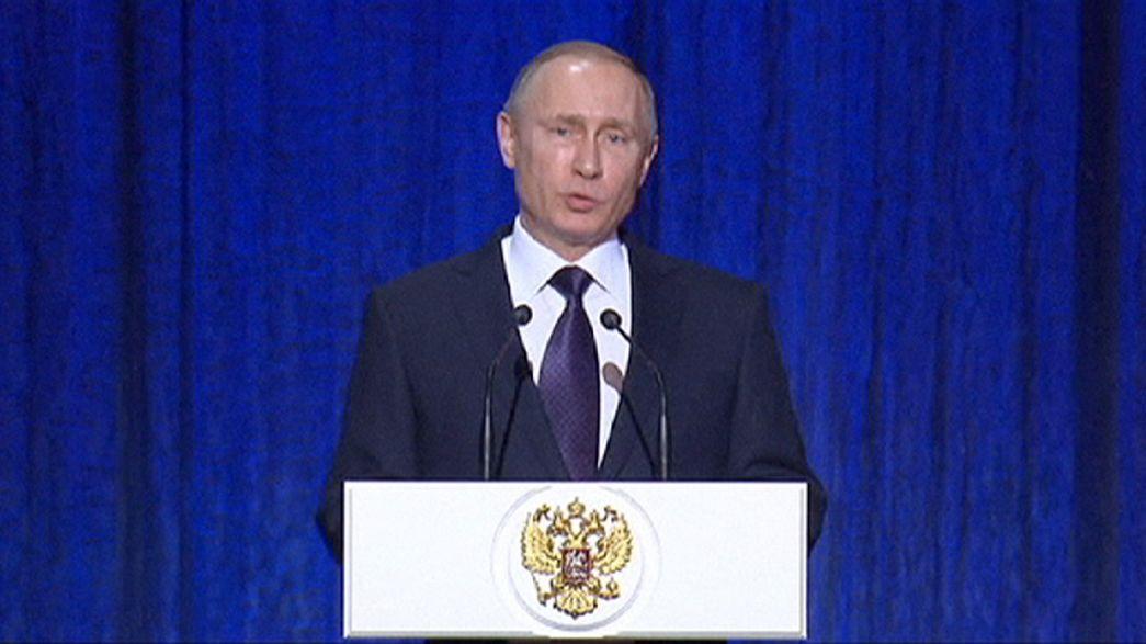 """Putin: """"In Siria potremmo colpire ancora più duramente"""""""