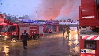 حريق هائل في السوق الشعبي العثماني بأنقرة
