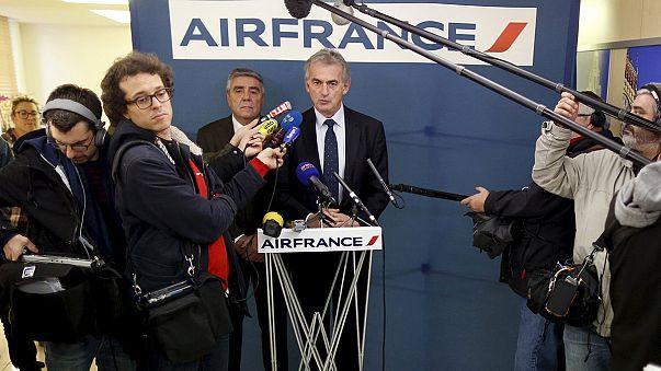الهبوط الاضطراري للطائرة الفرنسية تسببت بها علب من الكرتون