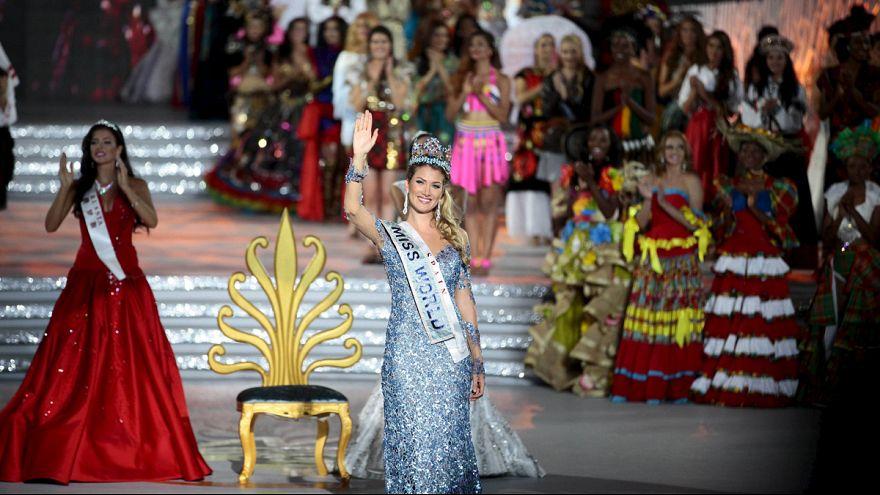 اسبانية تفوز بتاج ملكة جمال العالم 2015