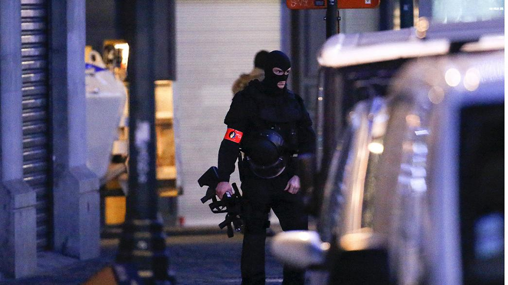 Attaques de Paris : 5 interpellations en Belgique