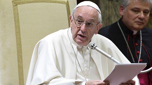 """Papa Francisco garante """"avançar com determinação"""" na reforma da Cúria"""
