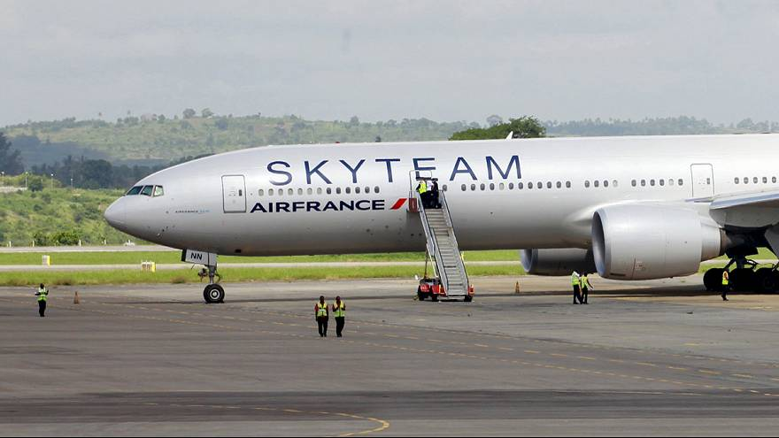 Man arrested over Air France bomb scare