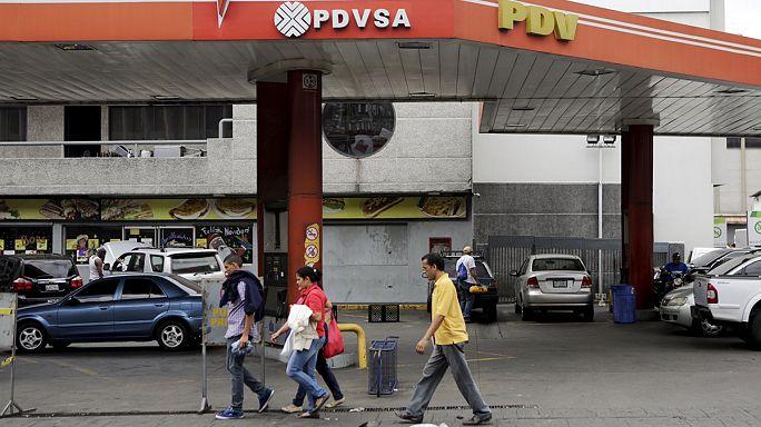 فنزويلا...الأكثر تضررا من انخفاض أسعار النفط