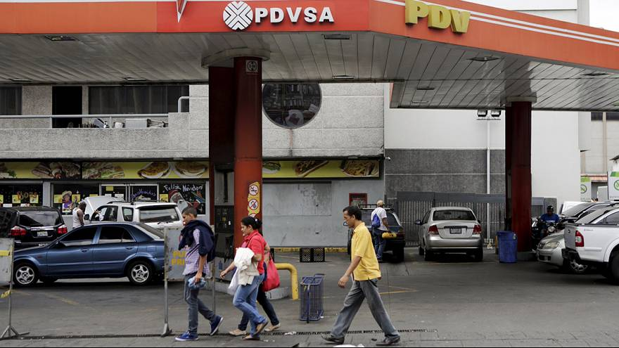 Economia venezuelana sofre com queda do preço do crude