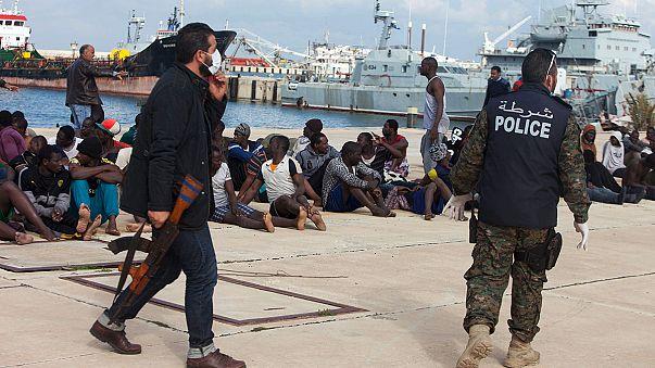 غرق مركب للمهاجرين عرض المياه الليبية يخلف مقتل شخصين