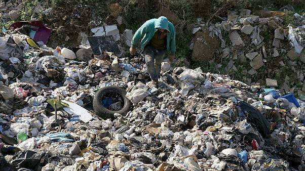 لبنان زباله هایش را به خارج منتقل می کند
