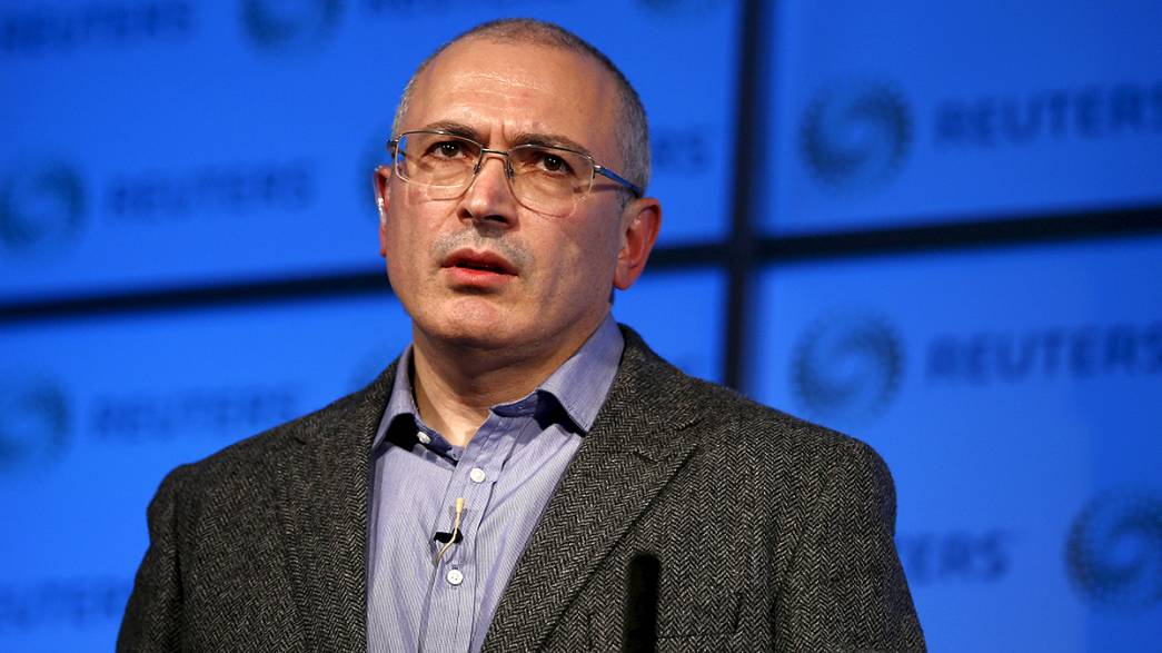 Police search offices of Putin critic Mikhail Khodorkovsky