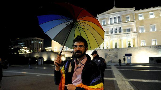 """La Grèce dit """"oui"""" aux unions homosexuelles"""