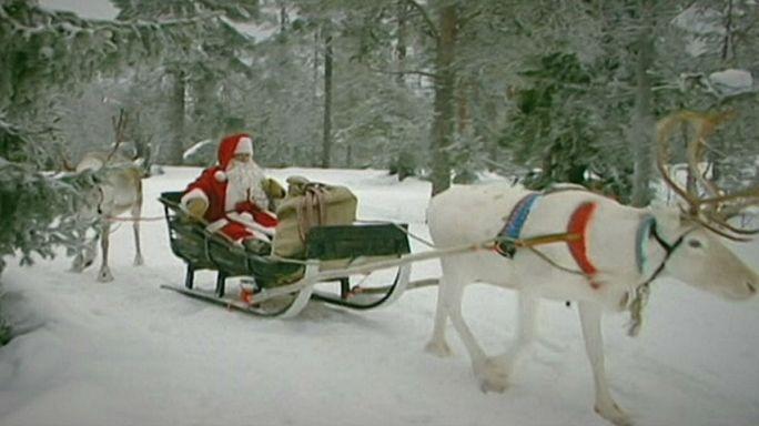 Санта-Клаус выехал из своего дома в Лапландии, чтобы развезти подарки детям