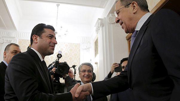 Líder do partido pró-curdo critica Ancara durante visita a Moscovo