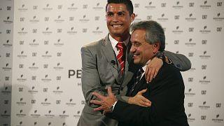 Cadeau de Noël : Cristiano Ronaldo fait visiter sa maison de Madrid à ses fans