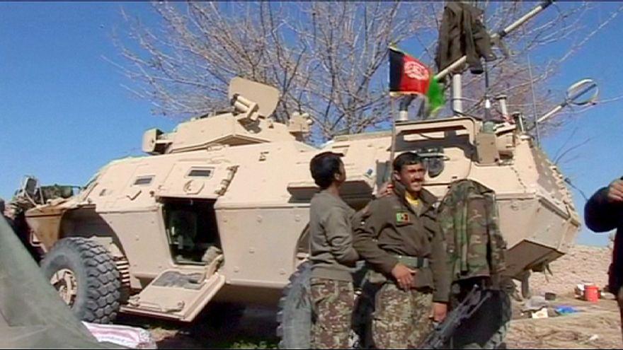 Exército afegão reforça presença em Helmand para combater talibãs