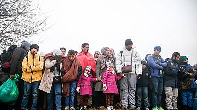 Over 1,000 Syrian refugees stranded near Greek-Macedonian border