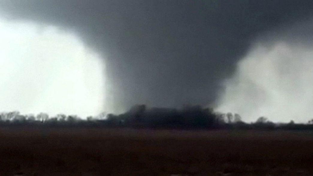 Al menos seis muertos en los temporales y tornados que azotan el sur de EE.UU.