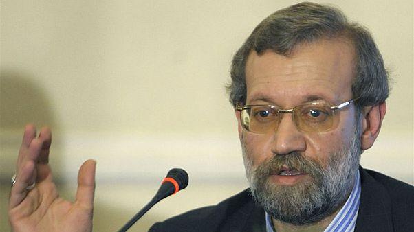 علی لاریجانی: انتقاد از سیاست اقتصادی و تمجید از سیاست منطقه ای ایران