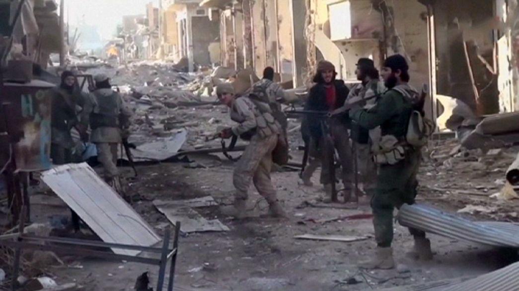 L'Isil avanza in Siria e arretra in Iraq, è battaglia per il controllo di Ramadi