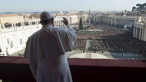 Pope Francis blessing in Rome invokes Christmas to dispel anxiety
