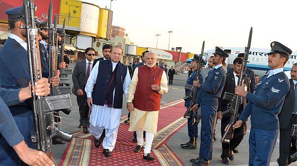 دیدار غیرمنتظره نخست وزیران هند و پاکستان